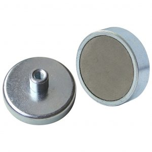 E860_Ferrite_shallow_pot_threaded_hole